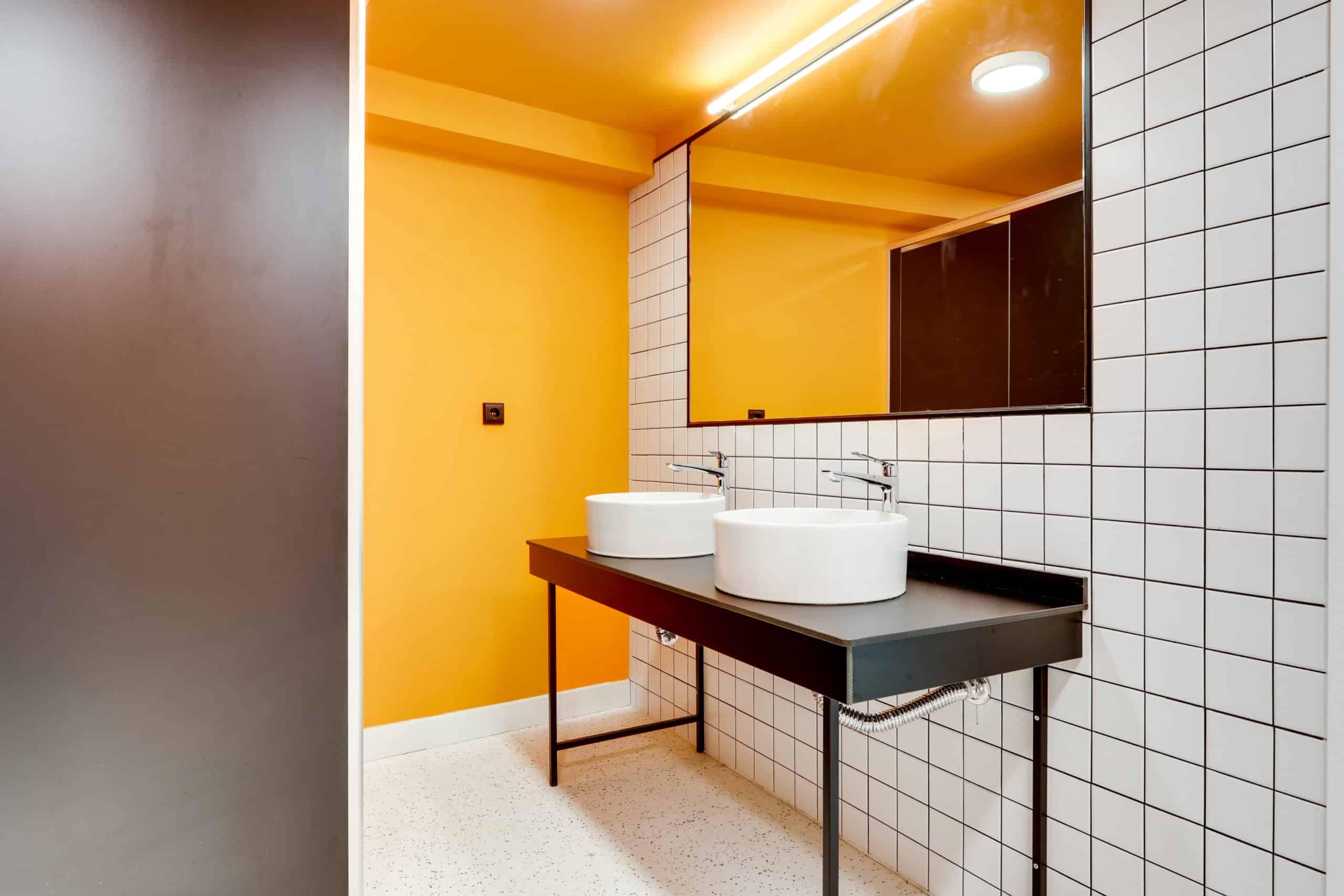 Imagen del equipamiento baño residencia estudiantes Syllabus Alboraya
