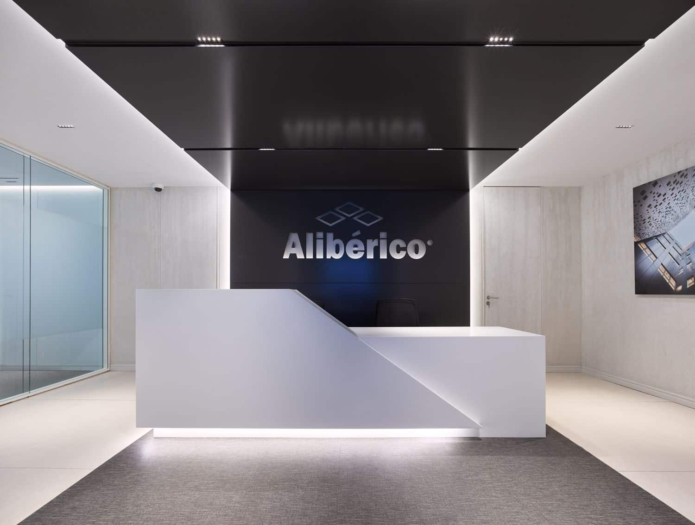 Imagen mostrador oficinas Alibérico